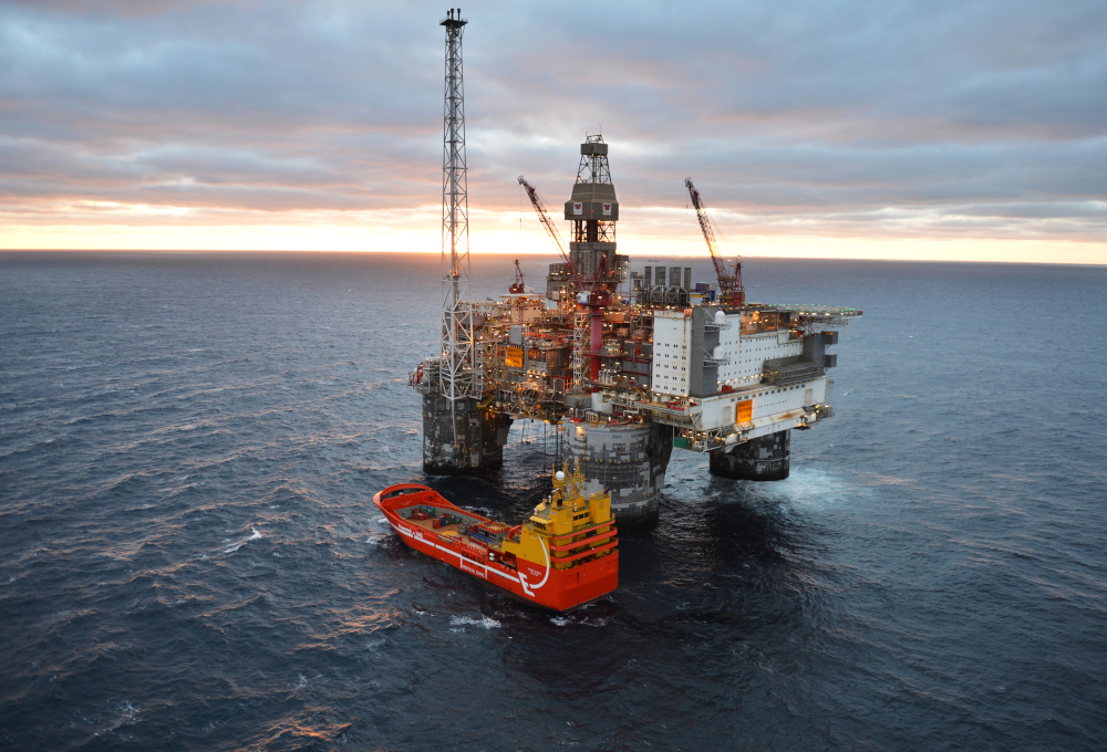 Figure 8: The Heidrun platform. Photography by Øyvind Hagen (Equinor).