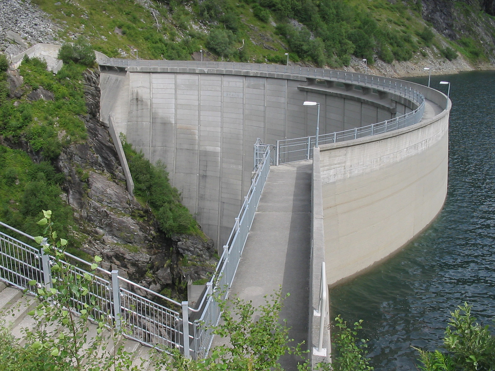 Figure 1: The Zakarias dam (completed 1969). Photography by Vidar Iversen.